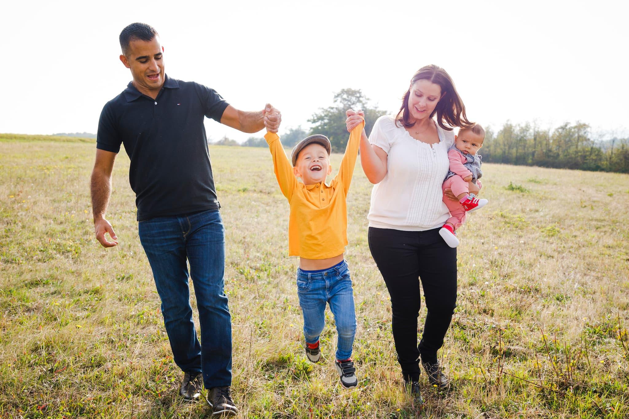 lyon ; shooting famille ; photos de famille en extérieur